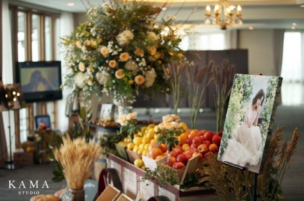 Đám cưới nữ diễn viên Vườn sao băng: Cô dâu chú rể đẹp như minh tinh trong đám cưới thần thánh - Ảnh 2.
