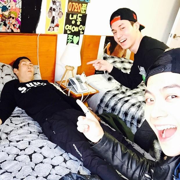 Bó tay với độ lầy của Jackson (GOT7) khi giả làm fangirl lừa Thần chết Lee Dong Wook - Ảnh 9.