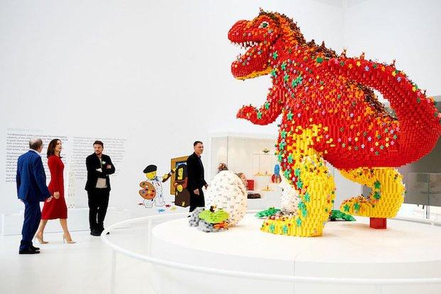 Ghé thăm căn nhà đồ chơi LEGO chóe lọe ngoài đời thực - Ảnh 5.