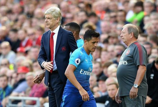 Cầu thủ Arsenal phải chăng đang phản Wenger? - Ảnh 3.