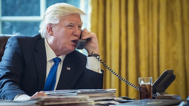 Ít ai biết trên iPhone của Tổng thông Mỹ Donald Trump chỉ có một ứng dụng duy nhất - Ảnh 1.