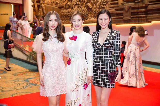Chân dài thay thế Ngọc Trinh tươi tắn, tự tin đọ sắc với Hoa hậu chuyển giới Thái Lan - Ảnh 9.