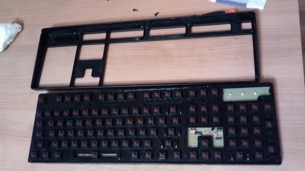 Cận cảnh quá trình dọn dẹp chiếc bàn phím 6 năm không tắm này sẽ khiến bạn nổi da gà - Ảnh 11.