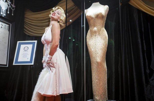 Không biết mặc xong chiếc váy minh tinh giá 109 tỷ đồng thì người có sang hơn không nhỉ? - Ảnh 4.