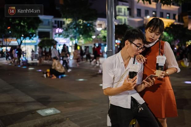 Cơn sốt trà sữa của giới trẻ Việt Nam: Ngày uống 2-3 ly, thẻ tích điểm lên tới cả 20 triệu đồng! - Ảnh 1.