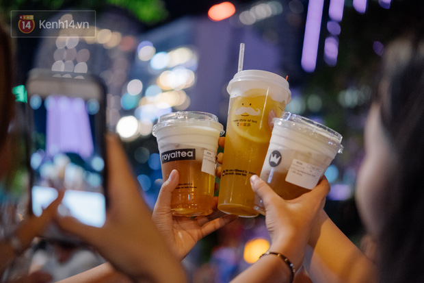 Cơn sốt trà sữa của giới trẻ Việt Nam: Ngày uống 2-3 ly, thẻ tích điểm lên tới cả 20 triệu đồng! - Ảnh 8.