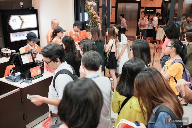 Cận cảnh cửa hàng 7-Eleven đầu tiên tại Việt Nam! - Ảnh 2.