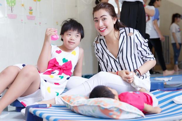 Phạm Hương, Lệ Hằng cùng Hoa hậu Dominica giản dị về Củ Chi làm từ thiện - Ảnh 4.