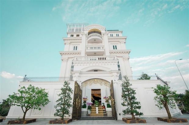 Sau biệt thự dát vàng ở TP HCM, Lý Nhã Kỳ tiếp tục tậu penthouse siêu sang hơn 100 tỷ đồng tại Singapore - Ảnh 9.