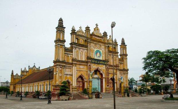 Người dân Nam Định xót xa nhìn ngôi nhà thờ cổ 130 tuổi bị cháy rụi trong đêm - Ảnh 7.