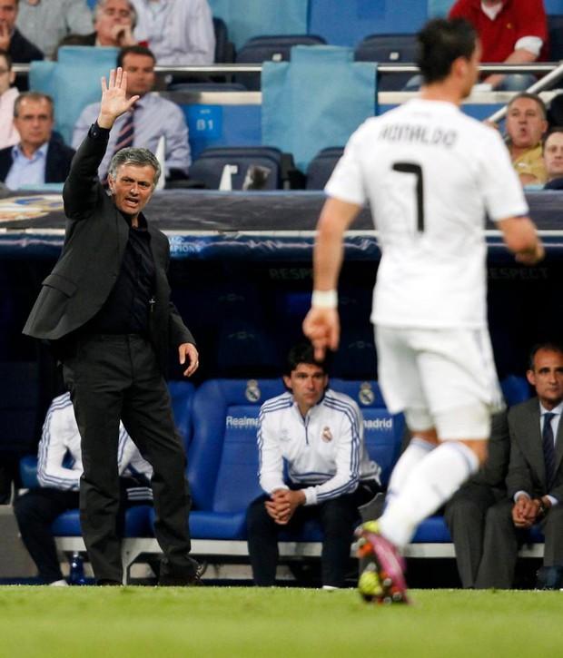 Mourinho từng nói Ronaldo là đồ vô học - Ảnh 3.