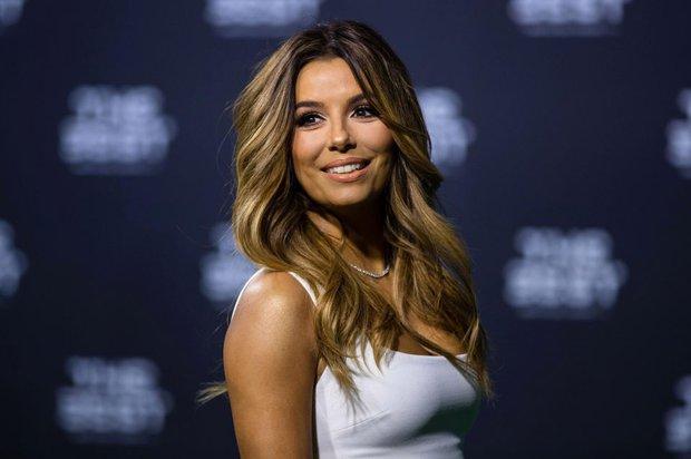 Bạn gái Ronaldo đánh bật nhan sắc sao Hollywood tại Gala FIFA - Ảnh 4.