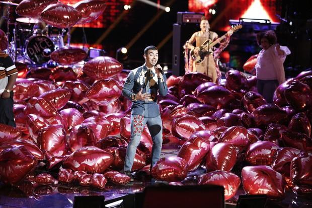 Tiếp bước Miley Cyrus, Gwen Stefani cũng mất sạch thí sinh trước Chung kết The Voice! - Ảnh 10.