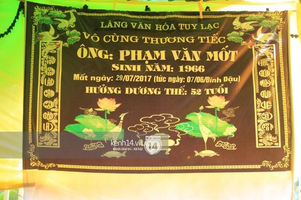 Hoa hậu Phạm Hương tiều tuỵ trông thấy khi lo hậu sự cho bố- Ảnh 1.