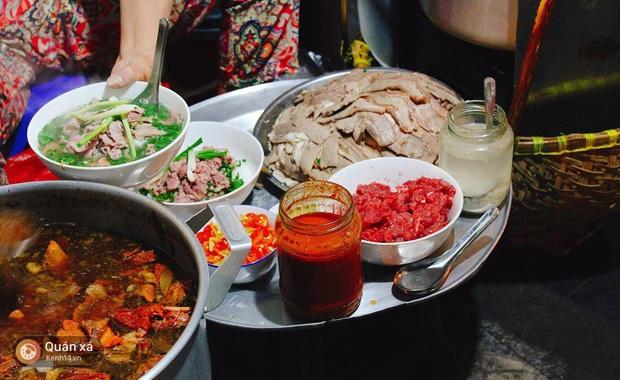 Phở và gỏi cuốn Việt Nam lọt vào top 50 món ăn ngon nhất thế giới do CNN bình chọn 3