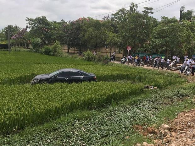 Khởi tố, bắt tạm giam cán bộ bệnh viện huyện lái xe Camry tông chết 3 học sinh - Ảnh 1.