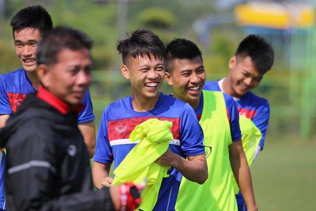 """HLV Hoàng Anh Tuấn: """"U20 New Zealand có gì ghê gớm đâu - Ảnh 1."""