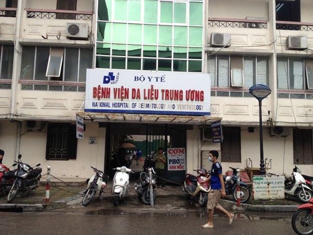 Hàng chục bé trai bị sùi mào gà nghi do chữa hẹp bao quy đầu tại phòng khám tư ở Hưng Yên - Ảnh 1.