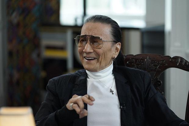 Bố Tạ Đình Phong rơi nước mắt vì con trai ly hôn với Trương Bá Chi - Ảnh 1.