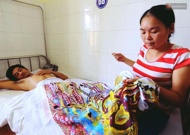 Câu chuyện về người phụ nữ cụt 2 chân chăm chồng liệt nửa người suốt 5 năm - Ảnh 4.