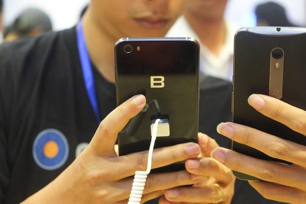Khiêm tốn và cầu thị hơn nhiều nhưng BPhone 2017 vẫn khó thành công vì lý do này - Ảnh 3.
