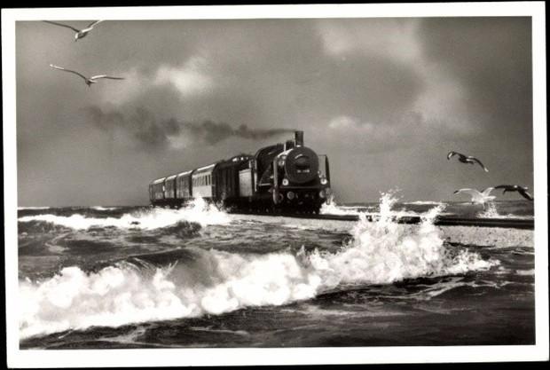 Cận cảnh tàu hỏa chạy xuyên biển - công trình vĩ đại của người Đức giống hệt như One Piece - Ảnh 2.