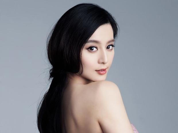 Nếu có thể đắp 600 miếng mặt nạ mỗi năm thì xin chúc mừng, da bạn chắc chắn sẽ đẹp như Phạm Băng Băng - Ảnh 1.