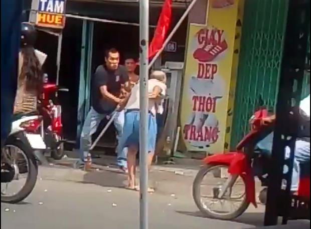 Sự thật về video con trai đánh cha trong ngày lễ vu lan - Ảnh 2.