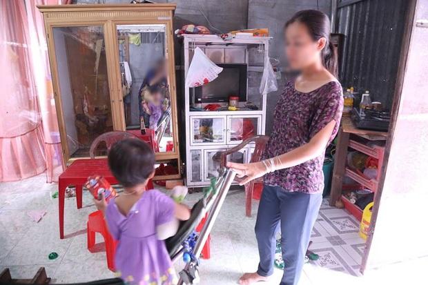 Người mẹ viết đơn xin đi tù kể lại chuyện nấu mì, dỗ con cho đến lúc bị cưỡng hiếp ngay trong nhà mình - Ảnh 3.