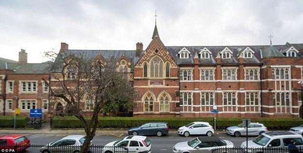 Có gì đặc biệt trong ngôi trường Hoàng tử bé Anh Quốc theo học, nơi sở hữu nền giáo dục tốt nhất có thể mua được - Ảnh 1.