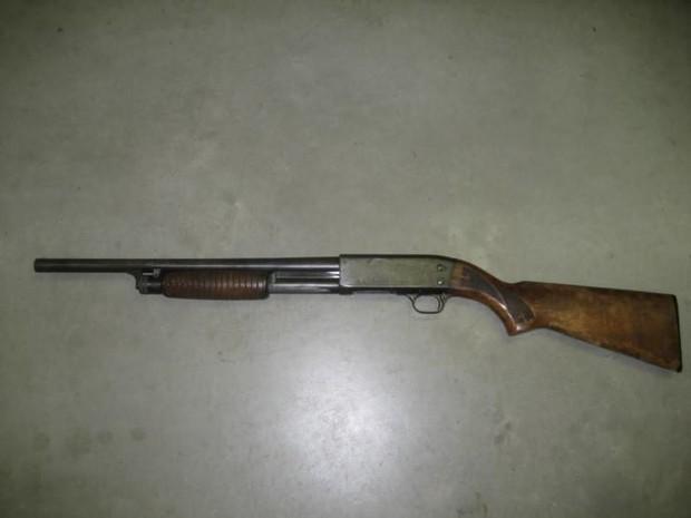 Nam thanh niên vác súng bắn gục người tình của dì trong quán cà phê - Ảnh 1.