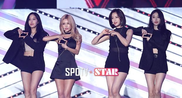Fan hát theo át cả tiếng ca sĩ, lâu lắm rồi mới thấy T-ara được fan Hàn yêu thương như vậy - Ảnh 2.