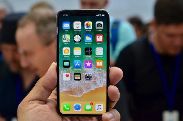 Chữ X trong iPhone X không chỉ là một con số, một giả thuyết về ý nghĩa thật sự của nó sẽ khiến bạn bật cười - Ảnh 2.