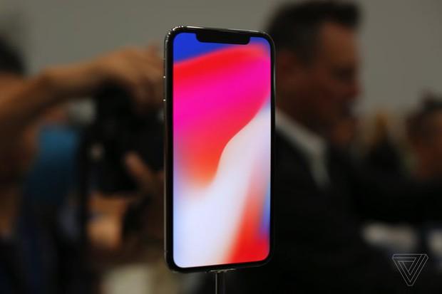 Chữ X trong iPhone X không chỉ là một con số, một giả thuyết về ý nghĩa thật sự của nó sẽ khiến bạn bật cười - Ảnh 3.