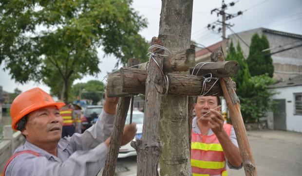 Hai cơn bão lớn cùng đổ bộ vào Trung Quốc, hơn 300.000 người dân phải đi sơ tán khẩn cấp - Ảnh 3.