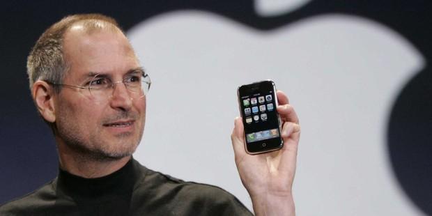 10 năm trước Steve Jobs đã gặp may mắn khi ra mắt iPhone, câu chuyện hiếm người biết này sẽ khiến bạn bất ngờ - Ảnh 2.