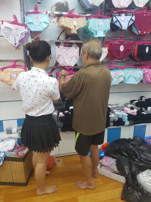 Cụ ông 70 tuổi mua đồ lót tặng vợ khiến cộng đồng mạng xôn xao - Ảnh 2.