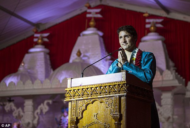 Thủ tướng Canada xuất hiện rạng rỡ cùng những người chuyển giới trong buổi tuần hành tự hào LGBT - Ảnh 9.