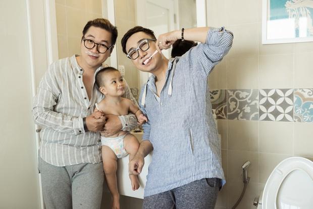 Cuộc sống hạnh phúc của cặp đôi đồng tính nam ở Sài Gòn cùng con trai hơn 1 tuổi - Ảnh 11.