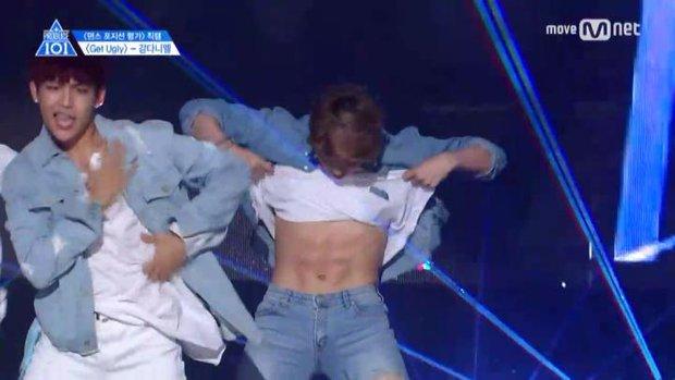 Nhóm nhạc vừa ra mắt đã dọa soán ngôi EXO và BTS: Nhan sắc cho tới thân hình đều gây tranh cãi - Ảnh 11.