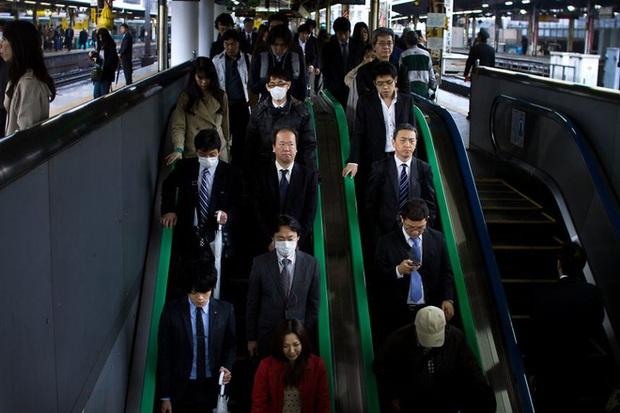Cuộc sống bi thảm của những doanh nhân Nhật Bản: làm việc như robot, thờ ơ với sex và chuyện tình cảm - Ảnh 14.