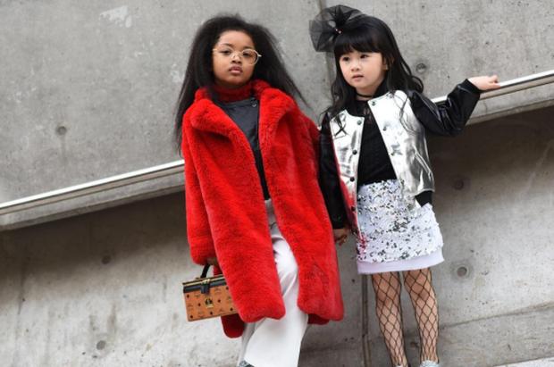 Cứ mỗi mùa Seoul Fashion Week đến, dân tình lại chỉ ngóng xem street style vừa cool vừa yêu của những fashionista nhí này - Ảnh 16.