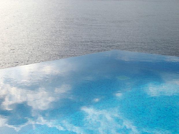 18 bể bơi sang chảnh khắp thế giới dành cho giới nhà giàu - Ảnh 27.