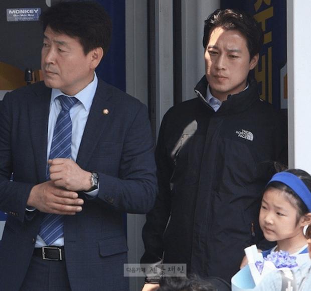 Ê kíp ưa nhìn quanh tân tổng thống Hàn Quốc - Ảnh 3.
