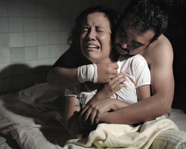 Thảm cảnh của những người đồng tính bên trong các trung tâm chữa bệnh bê đê - Ảnh 3.