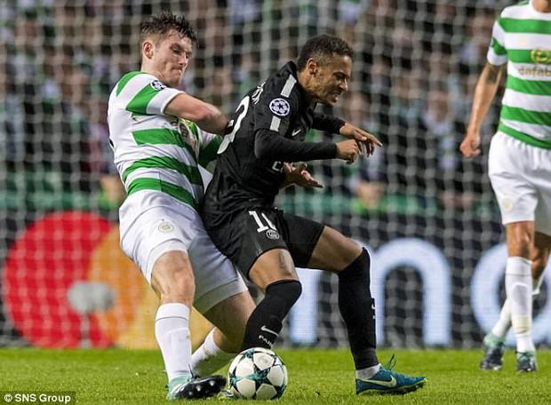 Bị hậu vệ Celtic cười nhạo, Neymar phản ứng không ngờ - Ảnh 3.