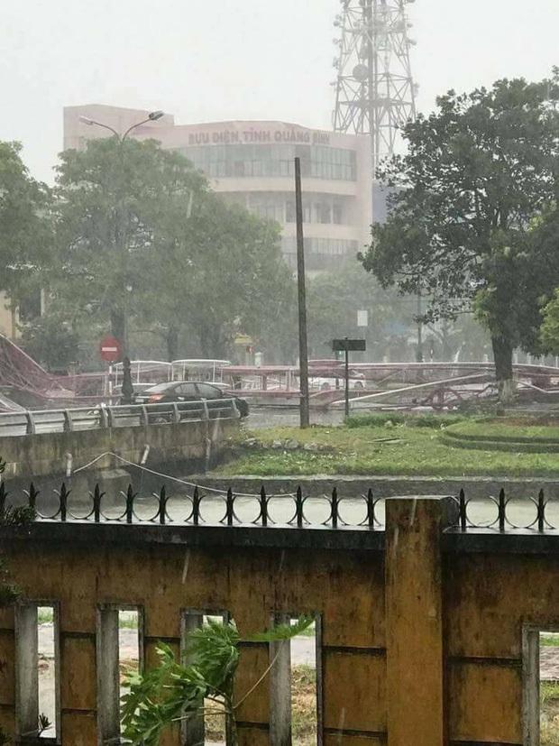 Bão số 10 đổ bộ vào đất liền, vùng tâm bão mưa to, gió giật mạnh - Ảnh 43.