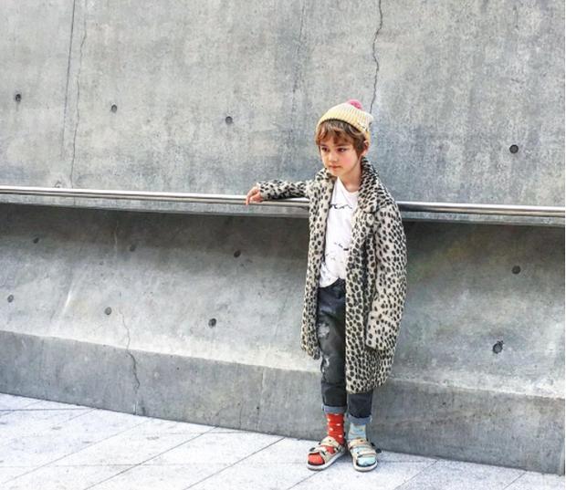 Cứ mỗi mùa Seoul Fashion Week đến, dân tình lại chỉ ngóng xem street style vừa cool vừa yêu của những fashionista nhí này - Ảnh 22.