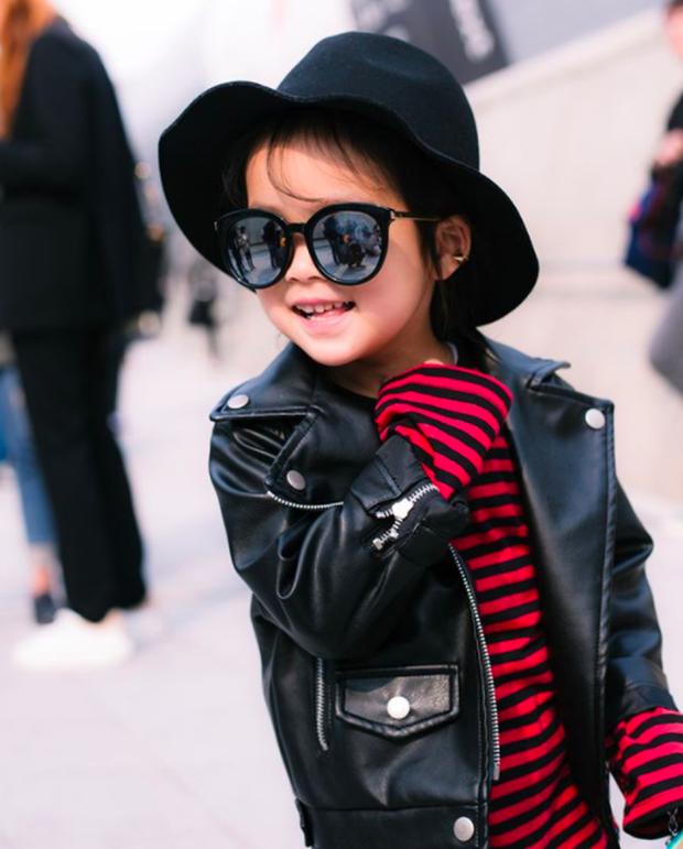 Cứ mỗi mùa Seoul Fashion Week đến, dân tình lại chỉ ngóng xem street style vừa cool vừa yêu của những fashionista nhí này - Ảnh 25.