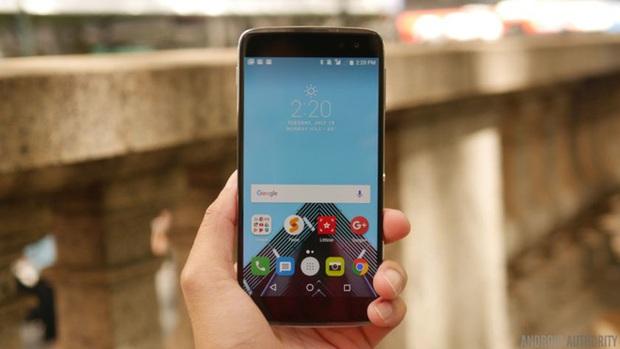 8 ý tưởng kỳ dị trên smartphone từng bị chê nhưng thực ra không tệ đến thế - Ảnh 4.